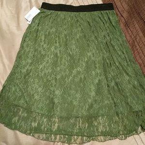 BNWT dark green lola size xl